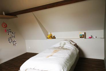 bed onder schuine zijde