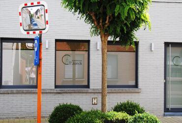 nieuwe PVC ramen met belettering