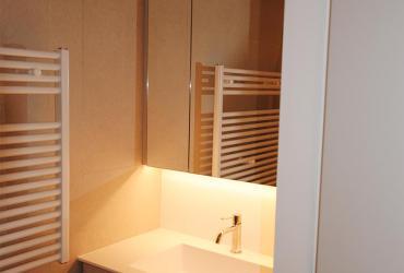 lavabomeubel en spiegelkast op maat