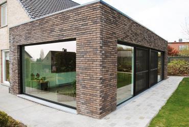 uitbreiding woning met gevelsteen verlijmd