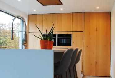 keuken met bargedeelte