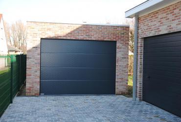 nieuwe garage met poort